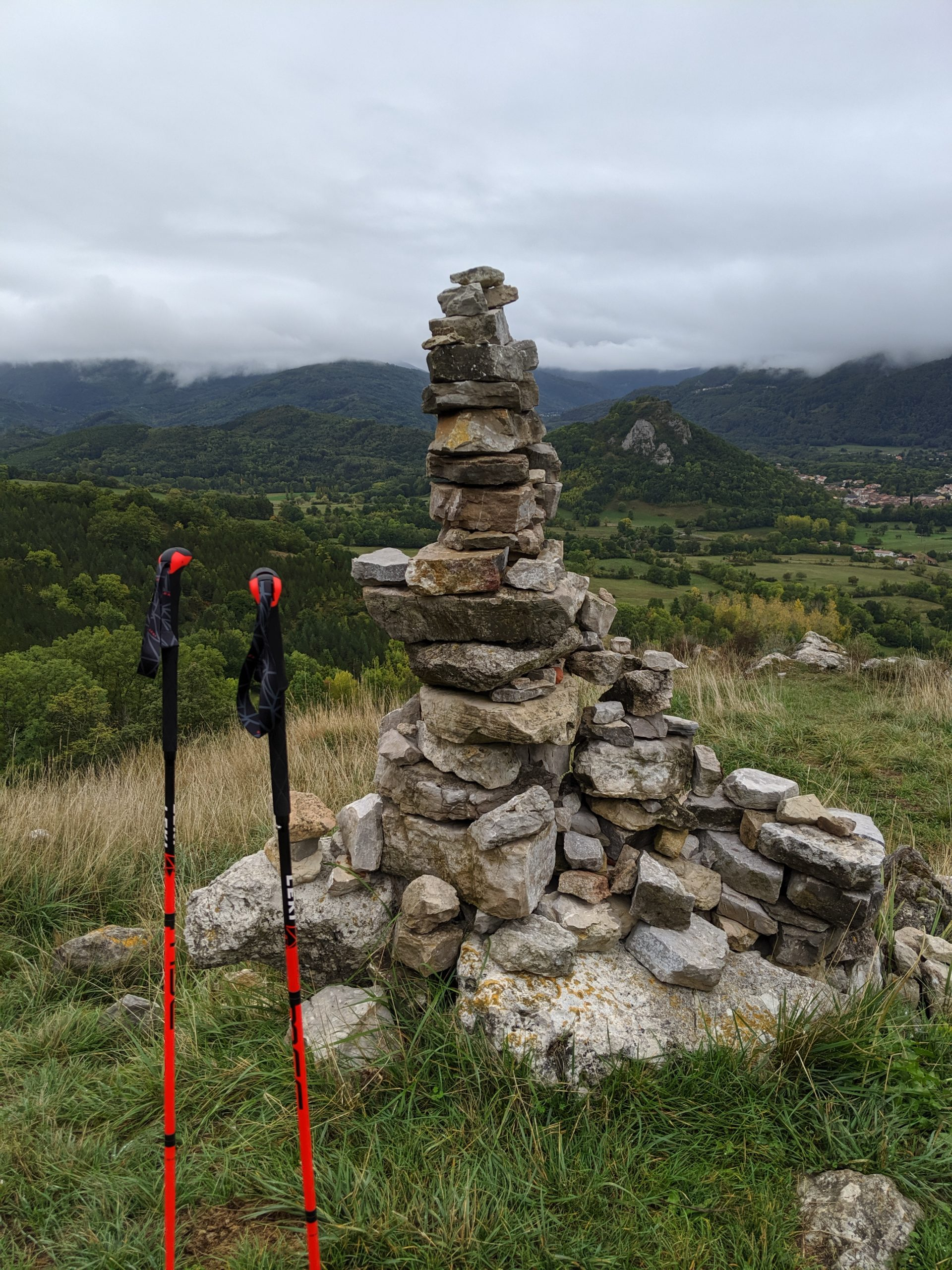 Le Chemin des Bonhommes – GR®107 – French side
